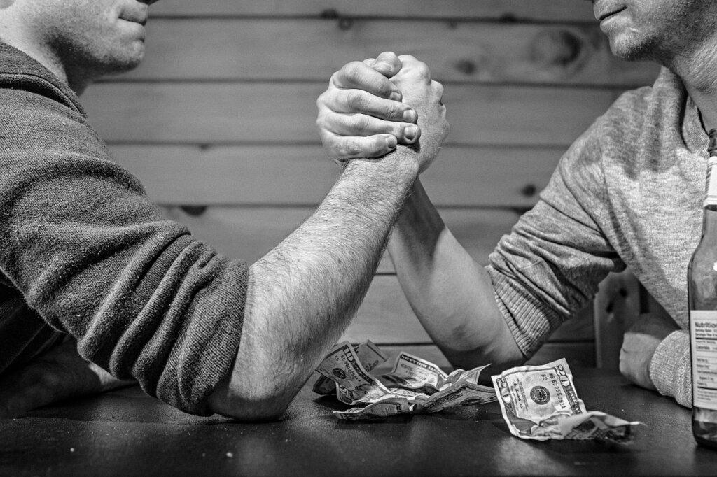 売上vs利益。どちらを伸ばすのが簡単で優先すべきなのか、徹底解説します。